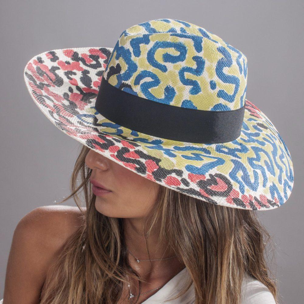 """כובע """"סופי פנמה קוויטו"""" מעוטר בעבודת יד, מתוצרת בורסלינו."""