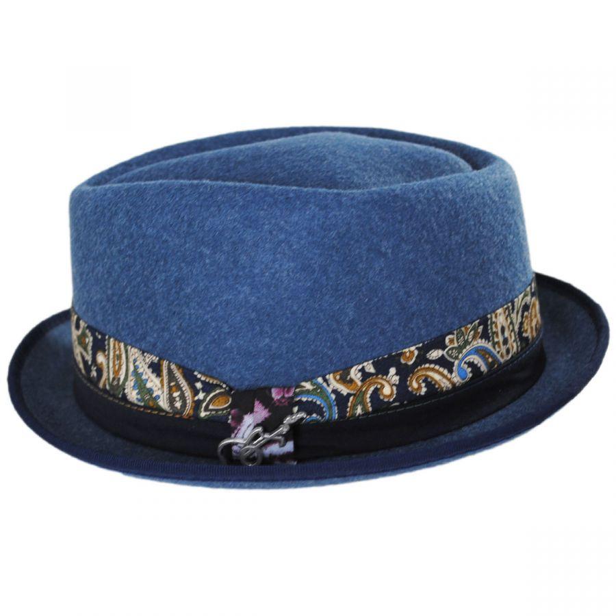 כובע פדורה דגם CAST מאת קרלוס סנטנה